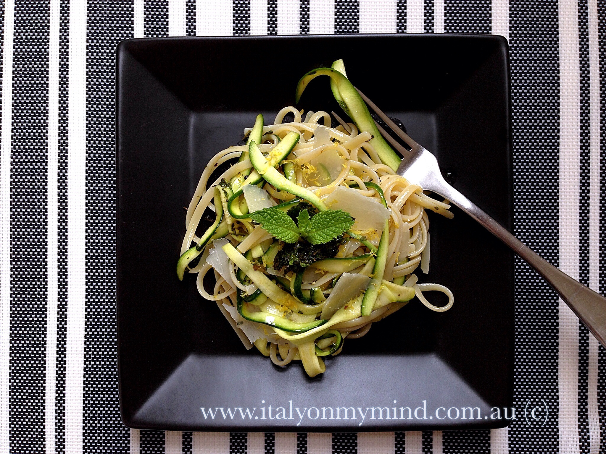Linguine with zucchini ribbons, lemon and mint