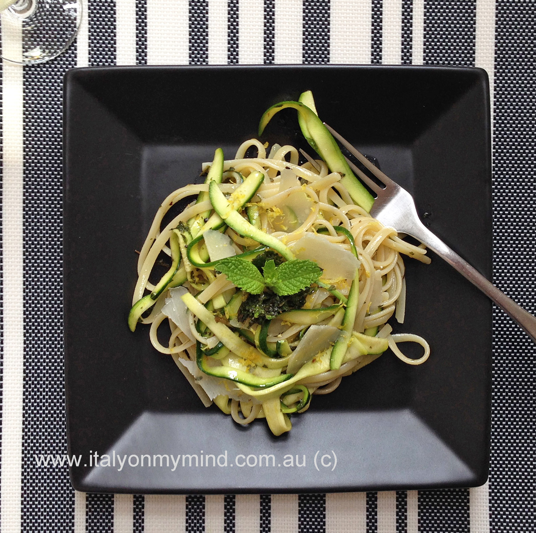 Linguine with zucchini ribbons, mint and lemon