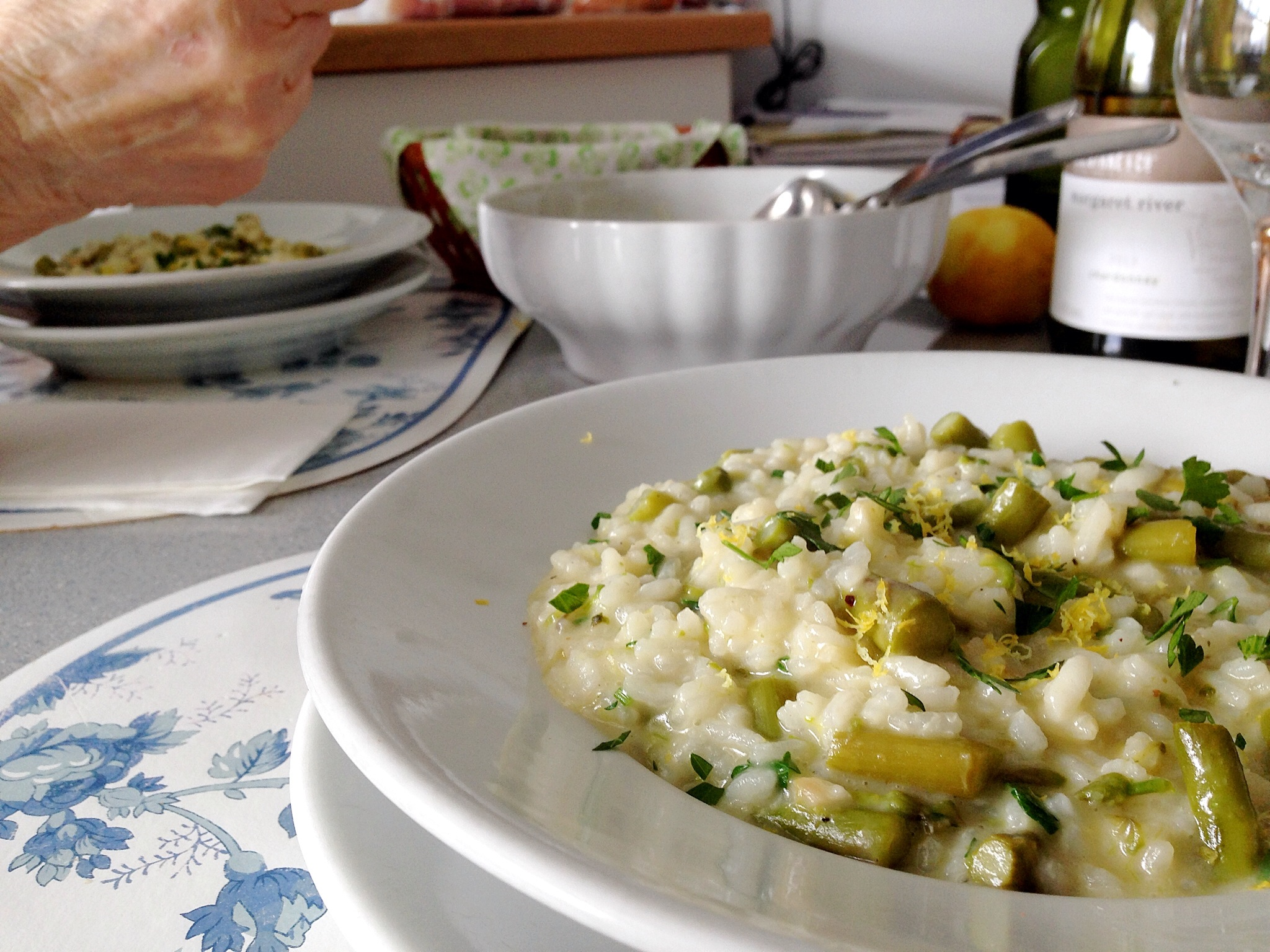 Cooking asparagus risotto with mamma