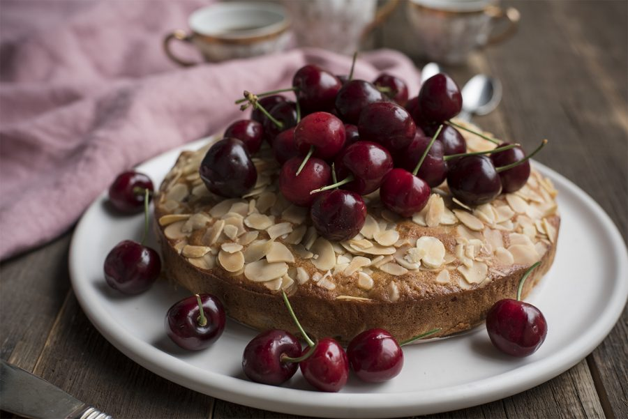Cherry and almond cake – gluten free