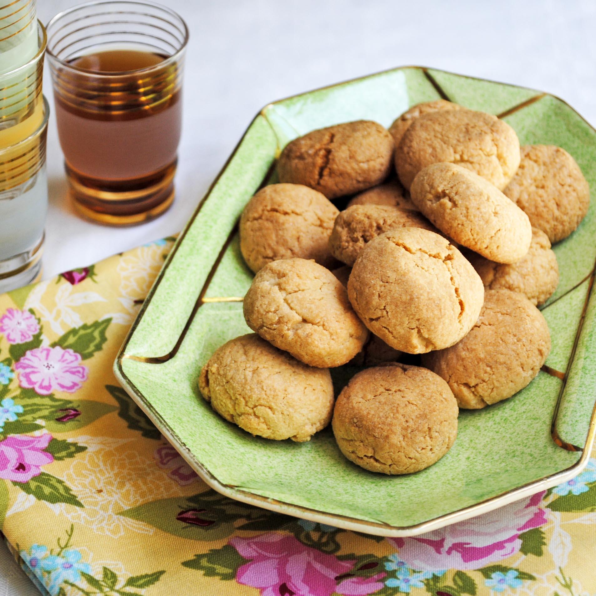 Amaretti – the simplest of biscotti