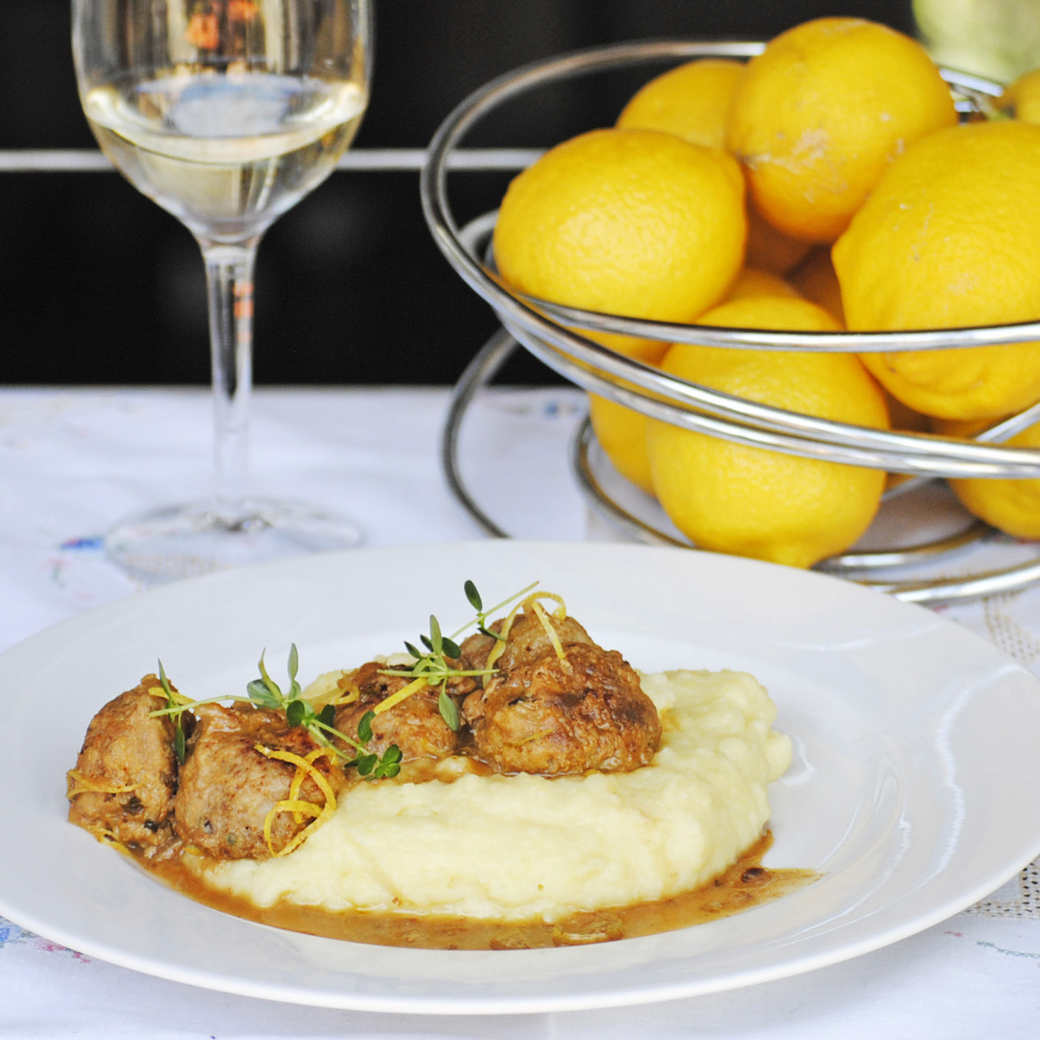 Pork meatballs with lemon and thyme