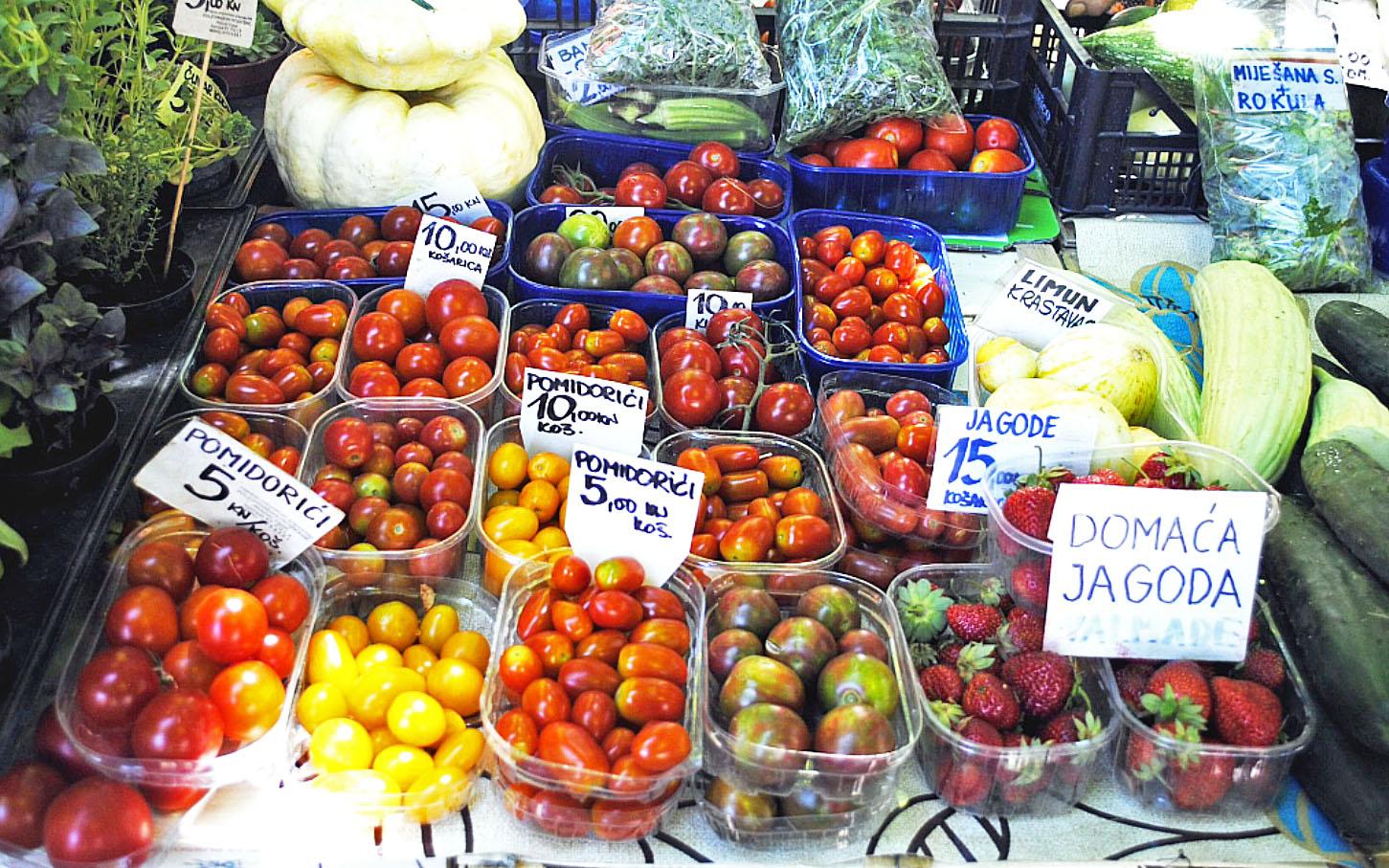 The market – Pola (Pula), Istria