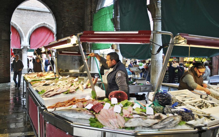 Sarde in sa'or – sardines in a sweet and sour sauce – a tribute to the market fishmongers