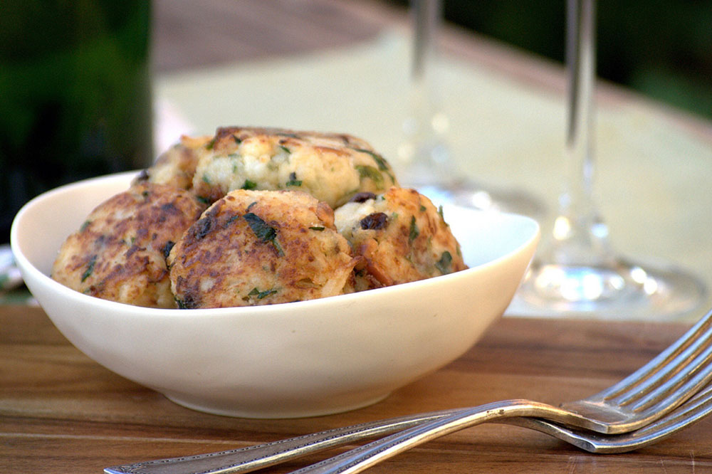 Polpette di cavolfiore – Sicilian cauliflower fritters (gluten free)
