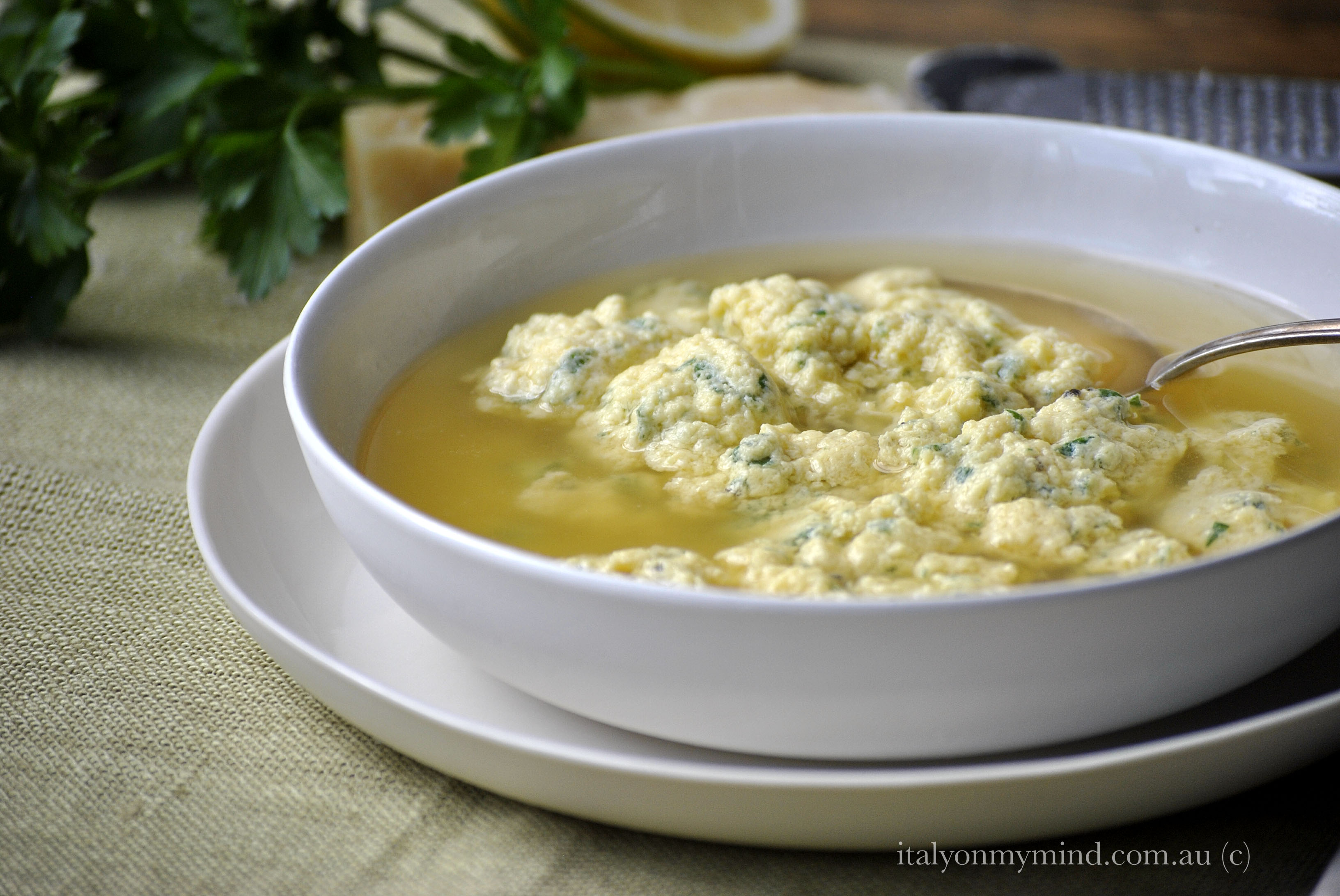 Stracciatella in brodo (Italian egg drop soup)