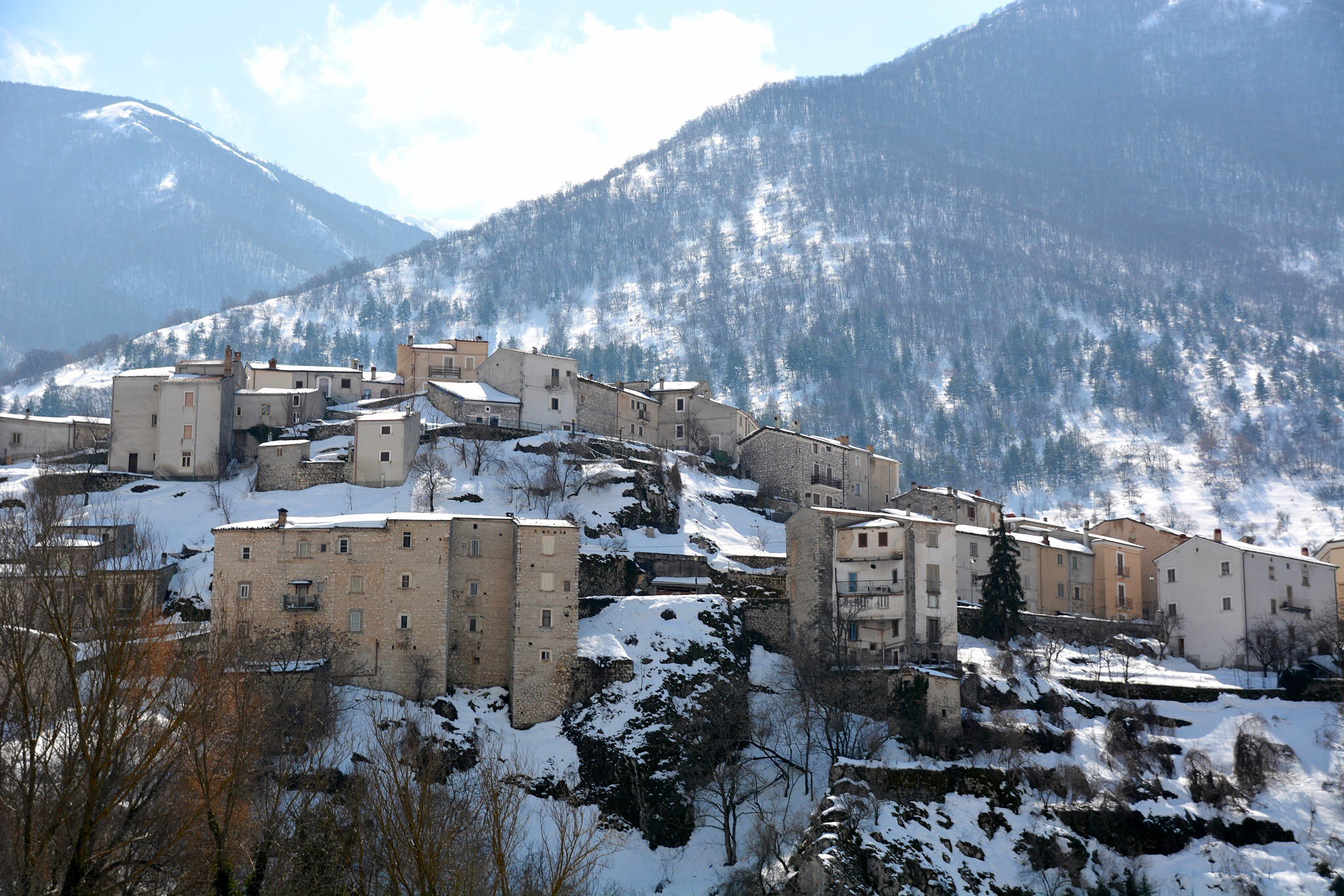 In the hills of Abruzzo there are bears, snow and wonderful food