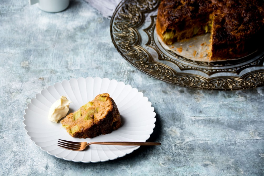 Rhubarb and ginger cake