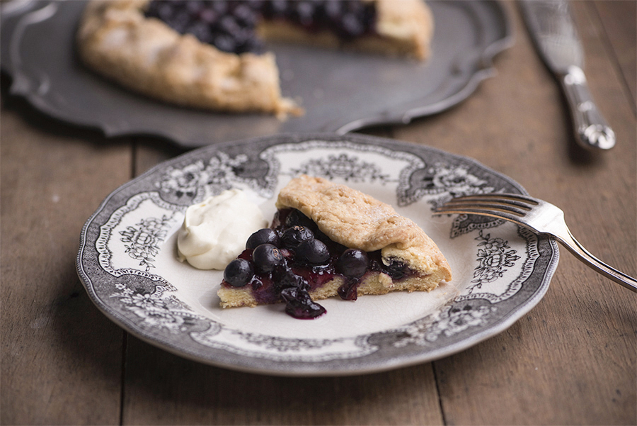 Gluten free sweet pastry – blueberry rustic crostata