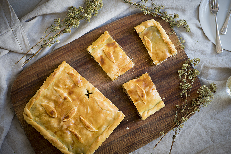 Onion and olive pie