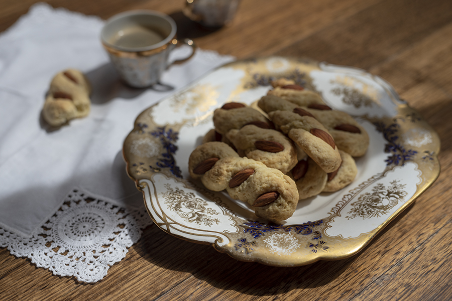 Intorchiate – lemon and almond twists