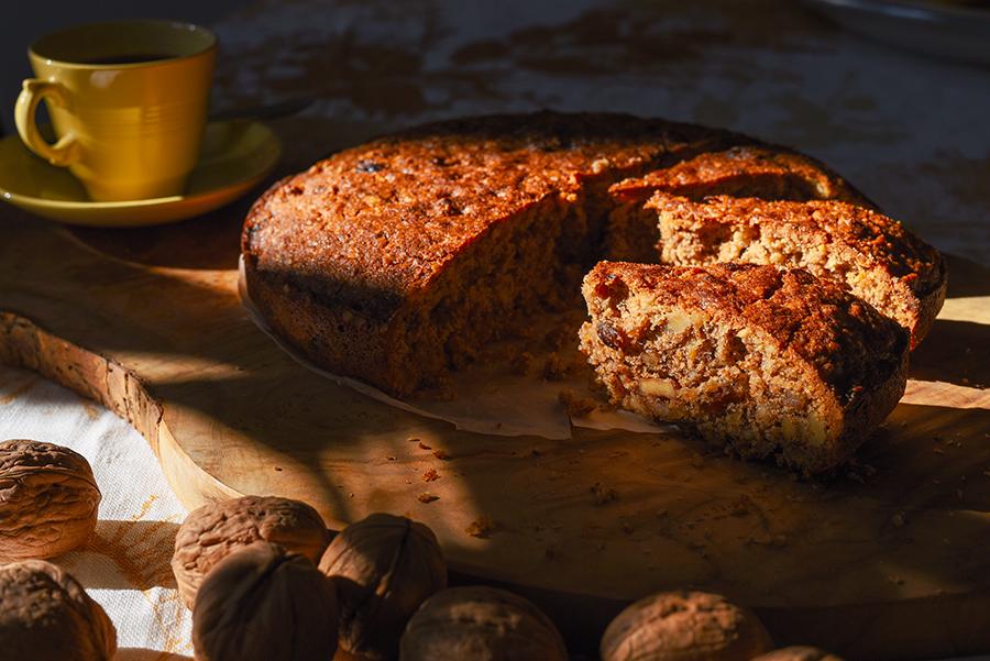 Walnut and orange cake